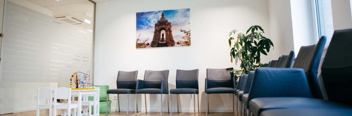 Wartezimmer Zahnzentrum Porta Westfalica